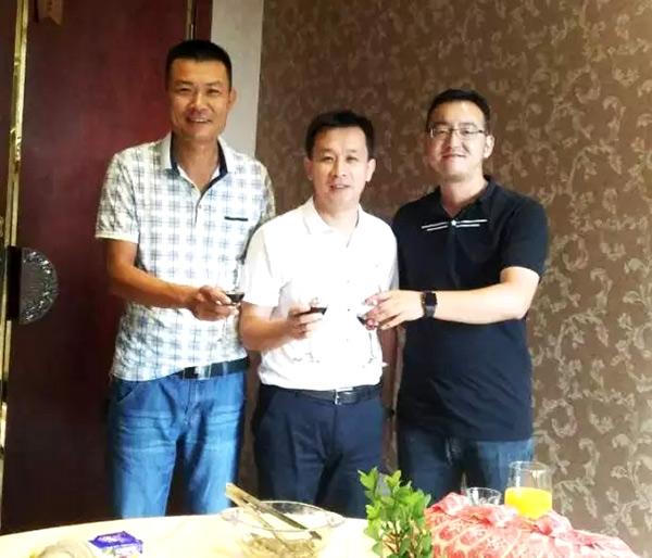 热烈祝贺深海800米苏州万达广场店成功签约