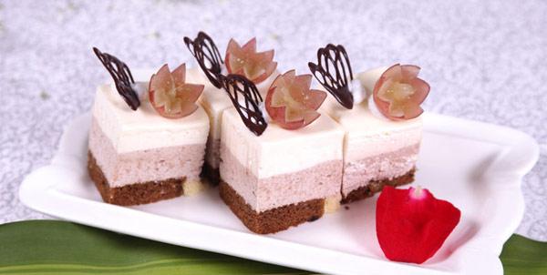 画三层蛋糕的步骤