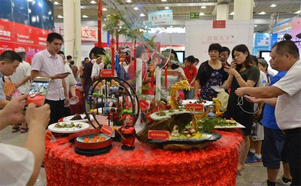 中国美食的风向标,餐饮业发展的领航者,中国美食节20年成就辉煌