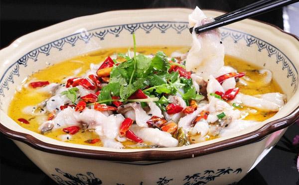 哇哇鱼酸菜鱼米饭,肉质鲜嫩一鱼三吃