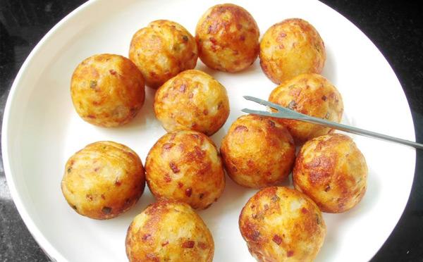 学什么小吃简单又好吃-土豆丸子
