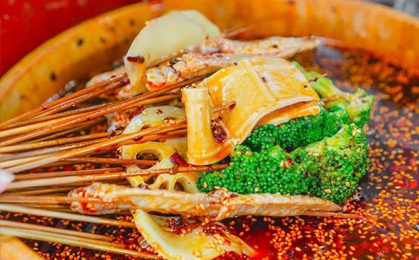 钵钵鸡和串串香有什么区别?