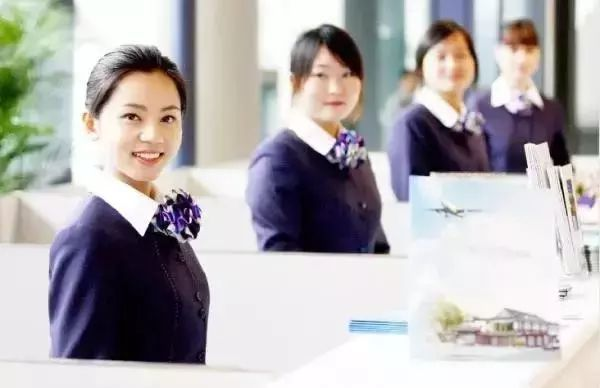餐厅服务员如何做好餐厅服务