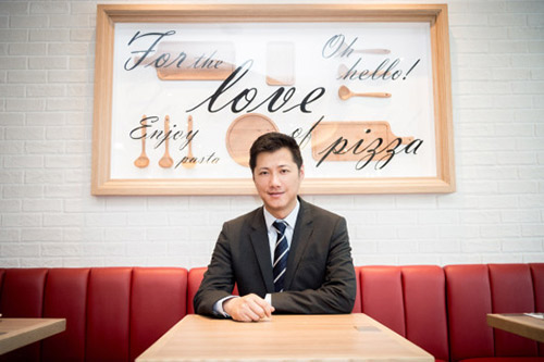 必胜客品牌总经理蒯俊(JeffKuai)在智慧餐厅