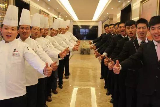 餐厅服务员仪容仪表的重要性