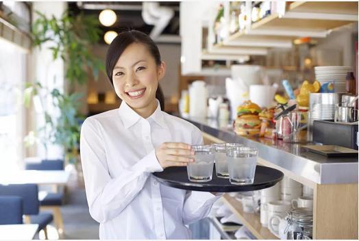 究竟如何聘用好的稳定的餐厅服务员