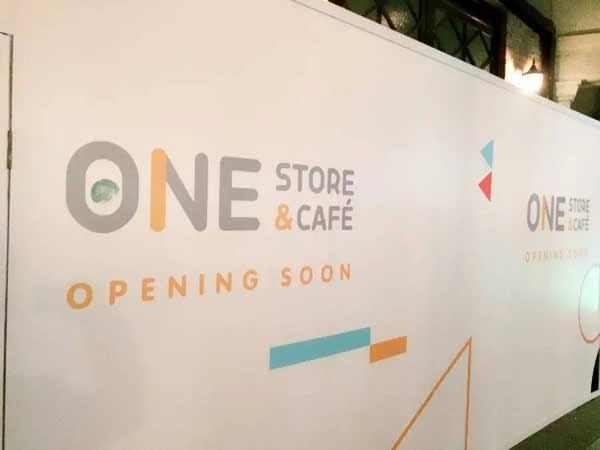 从围挡设计来看,咖啡馆的风格延续了one一贯的简约清新.