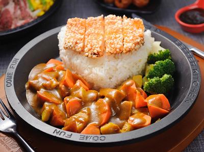 来趣黑椒厨房经典咖喱鸡排饭