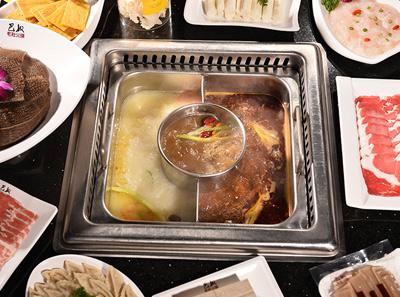 巴奴毛肚菌汤+骨汤+牛油辣