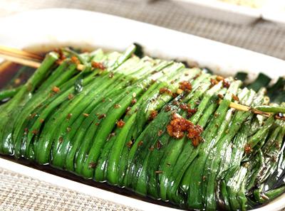 木屋烧烤烤韭菜