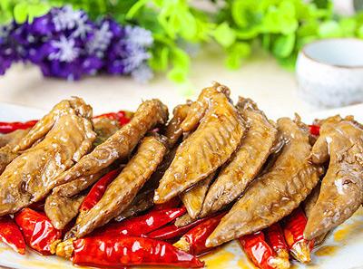 青花椒砂锅鱼热卤鸡翅