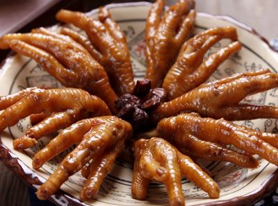 青花椒砂锅鱼美味热卤