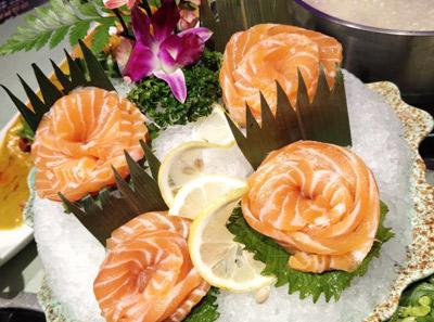 集渔泰式海鲜火锅菜品