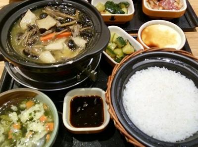 谷田稻香瓦锅饭菜品