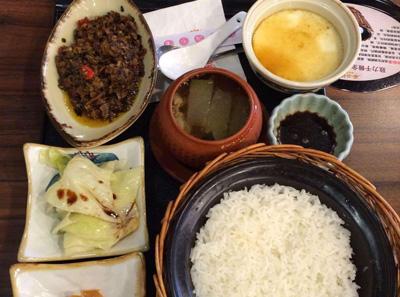 谷田稻香瓦锅饭菜品展示