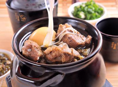 酸菜排骨筷子米线加盟
