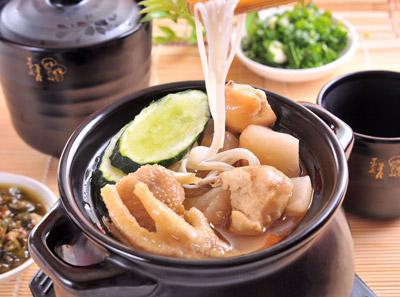 酸萝卜鸡肉筷子米线加盟