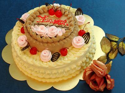凯司令多层裱花蛋糕因其独特的造型和