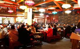 重庆矮板凳老火锅,成都有个吃火锅的好地方叫矮板凳