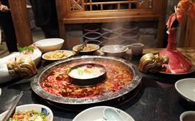 在重庆开家老火锅店如何,做过的给点经验
