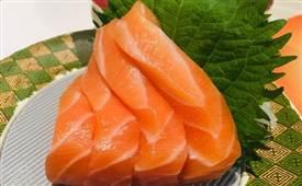 寿司加盟店一个月能挣多少钱?开寿司加盟店要注意些什么
