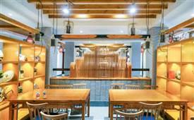 在小餐馆做服务员累吗,做过的给点经验