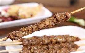 如何才能烤出更美的羊肉串,烤羊肉串的做法技巧