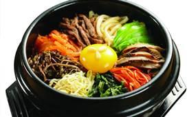 釜槿缘石锅拌饭,营养兼美味尽显真滋味