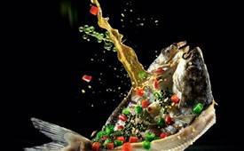 石锅鱼和烤鱼哪个好吃,石锅鱼和烤鱼的区别